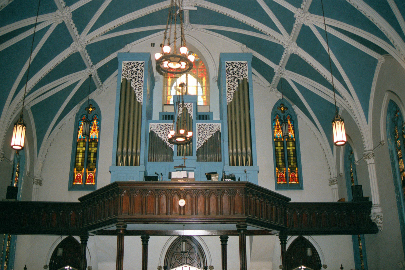 Holy-Name-Church-before-Choir-Loft